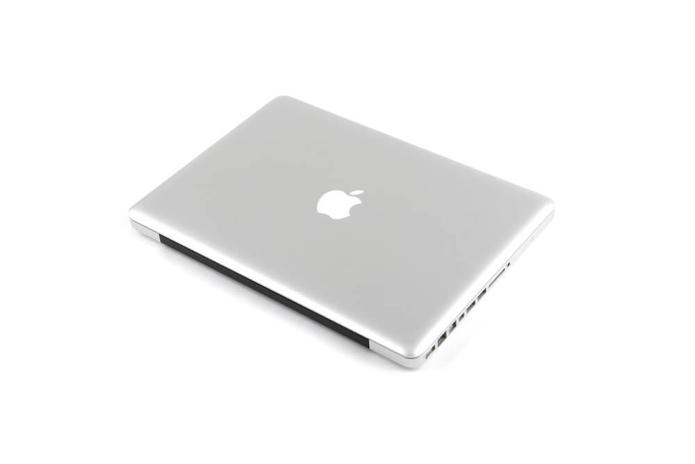 MacBook Pro背面斜め画像3