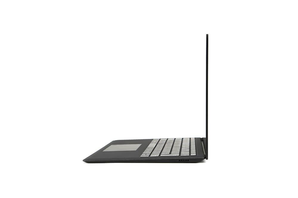 「Surface Laptop2」側面画像90度横