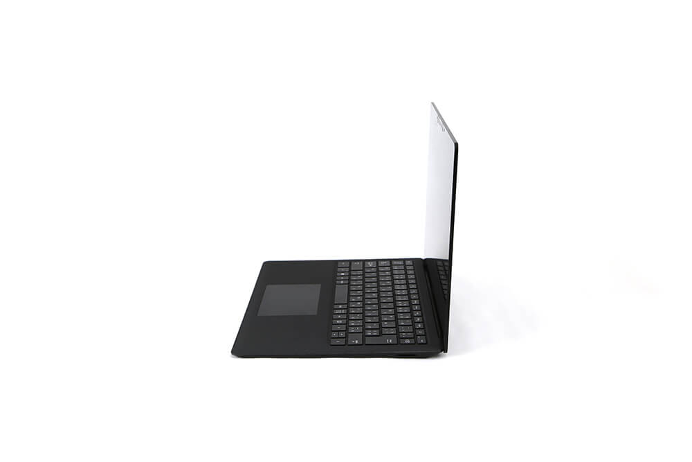 「Surface Laptop2」側面画像90度斜め3