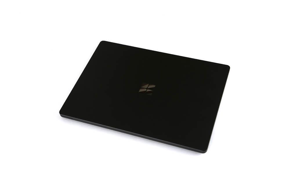 「Surface Laptop2」背面斜め画像3