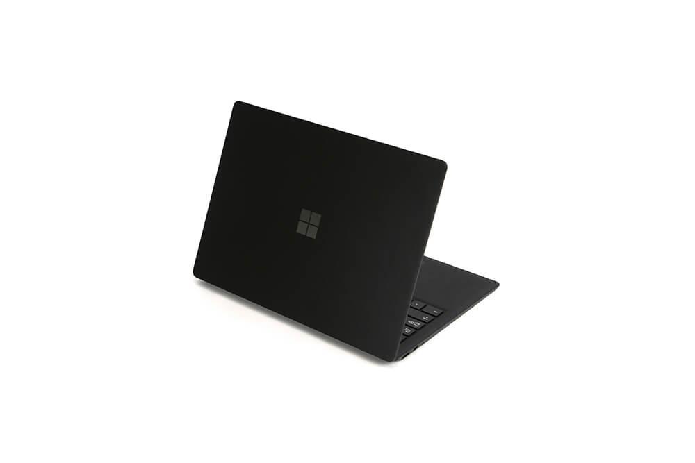 「Surface Laptop2」背面立ち上げ画像2