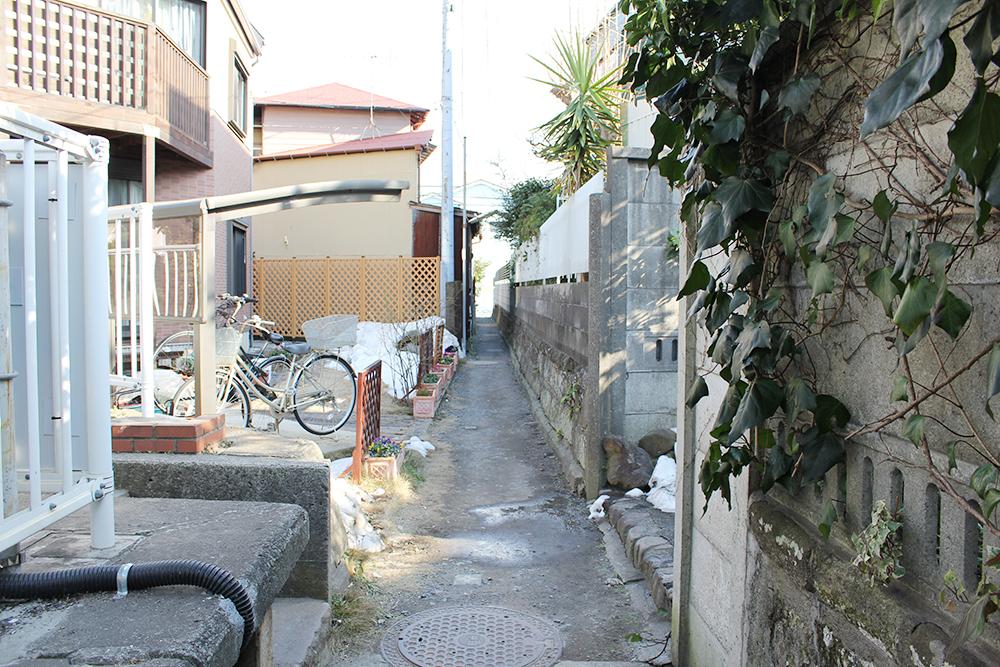 和田塚駅前のほっそい道を通り抜け~