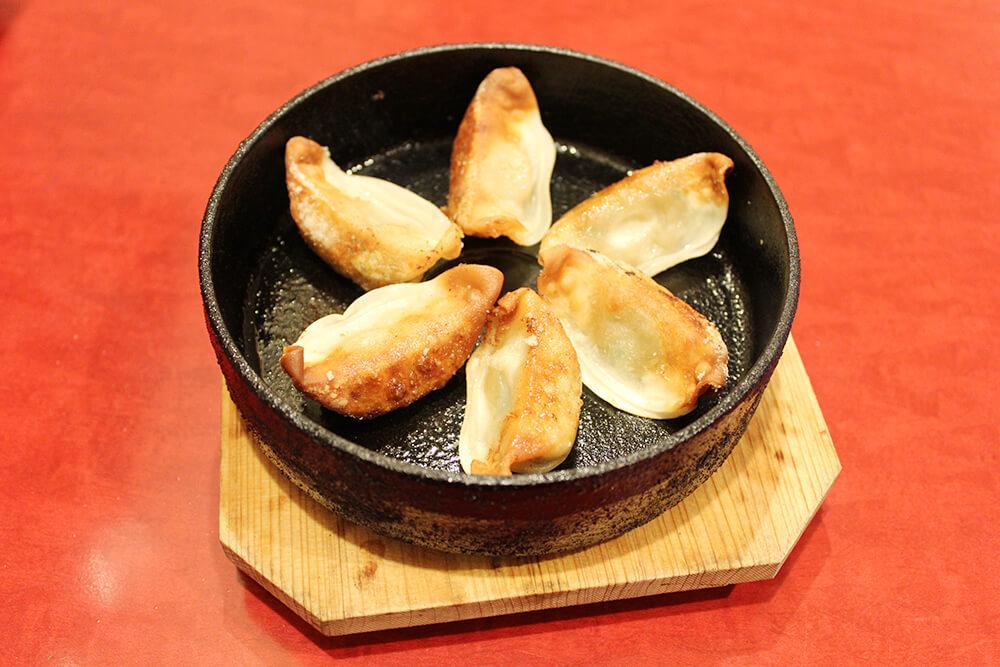 鉄なべ餃子 6個390円