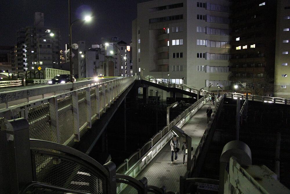 穴場の夜景スポット「池袋大橋」