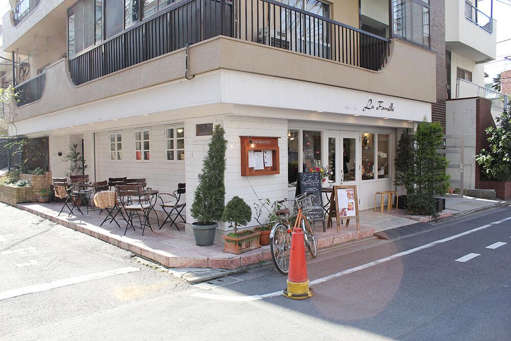 シフォンケーキの有名店「ラ・ファミーユ」