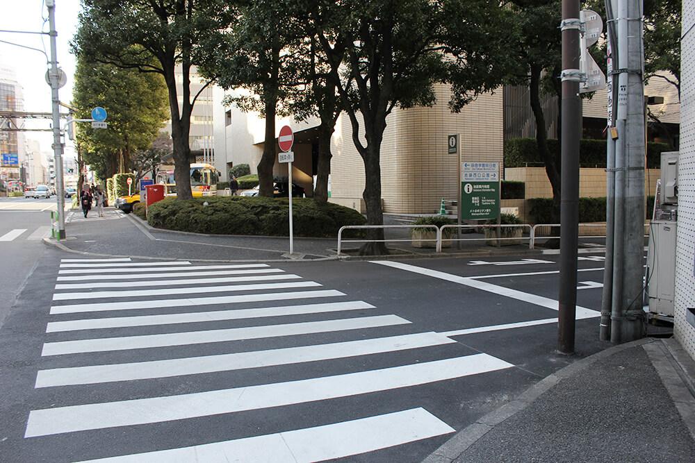 ここを右に曲がります