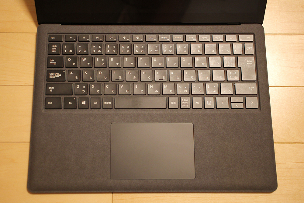 「Surface Laptop 2」の「アルカンターラキーボード」